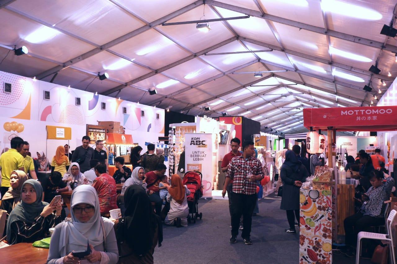 Suasana Jakarta Halal Things